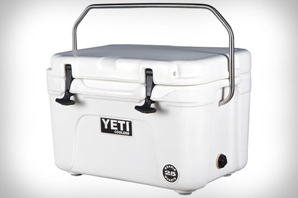 YETI Logo photo - 1